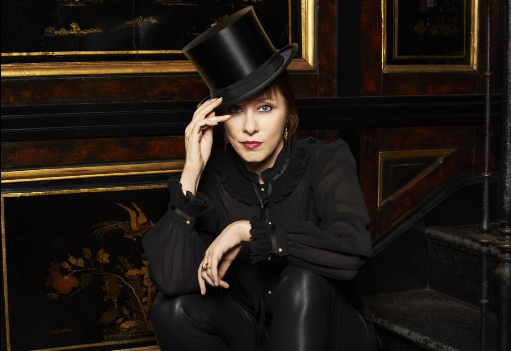 Suzanne Vega, 2013,  (Photographed at Caramoor Center for Music and the Arts located in Katonah, New York, caramoor.org)